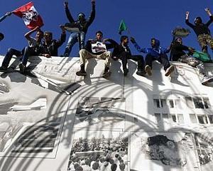 LIBIA: Scuturile umane voluntare ale lui Gadhafi