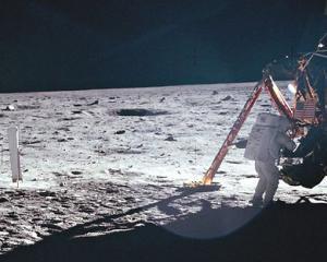 Neil Armstrong, primul om care a pasit pe Luna, a murit