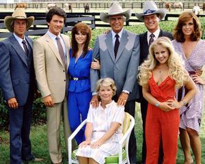 Postul de televiziune TNT readuce serialul Dallas pe micile ecrane