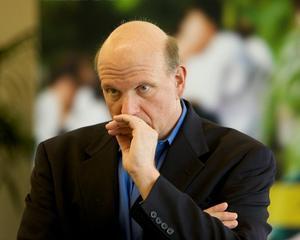 Un manager influent de fond de investitii cere demisia lui Steve Ballmer, seful Microsoft