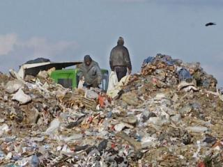 CE i-a dat Romaniei de lucru: pana in 2017 trebuie sa inchida 101 gropi de gunoi