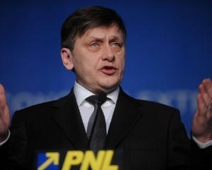 Antonescu: Nu ma retrag din politica - nu fug din fata combinatiilor de putere ale lui Basescu