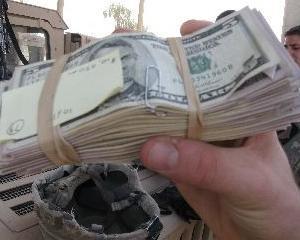 Furt de 6,6 miliarde de dolari din banii alocati reconstructiei Irakului
