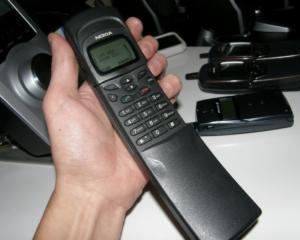 Razboiul brevetelor de inventie continua: Nokia versus HTC si RIM