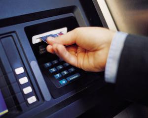 Raiffeisen Bank intrerupe sistemul de carduri, duminica noaptea (13 noiembrie)