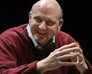 Steve Ballmer: Microsoft va semana tot mai mult cu Apple