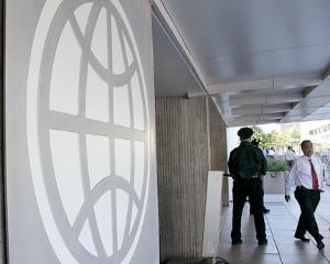 Un nigerian si un columbian, in carti pentru sefia Bancii Mondiale