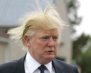 Morile de vant ameninta terenul de golf si coafura magnatului Donald Trump