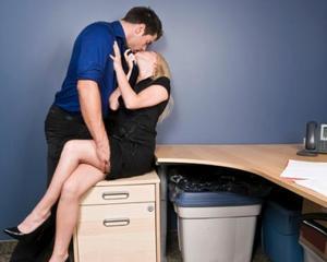 Pericolele care ii pandesc pe angajatii care au relatii nepotrivite cu sefii lor
