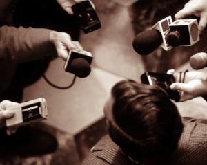 ANALIZA: Poate supravietui jurnalismul in era social media?
