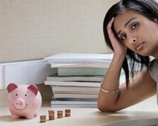 Fara bani: 65% din studentii romani sunt intretinuti de parinti