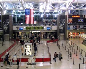 Aeroportul JFK, cel mai mare propagator de microbi