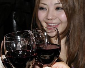 Sapte firme ii imbie pe sud-coreeni cu vinuri si produse traditionale romanesti