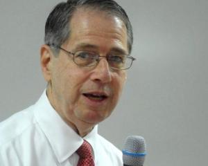 Ambasadorul SUA la Bucuresti: Modernizarea sectorului energetic necesita investitii de 10 miliarde de dolari