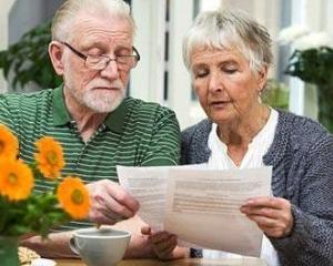Pensionarii, viitorii clienti de pret ai bancilor