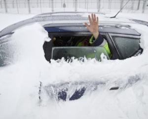 Iarna crunta in Republica Moldova: 15 localitati fara curent electric si sute de oameni izolati
