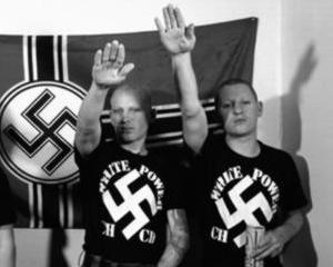 Scandal la Amazon Germania: Depozitele companiei, pazite de neo-nazisti?