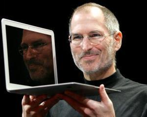 Cofondatorul Apple ataca JOBS, filmul despre viata lui Steve Jobs