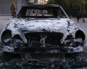 Protestele se extind in Europa: Masinile de lux din Germania sunt incendiate
