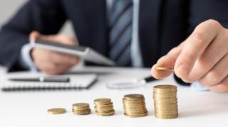 4 obiceiuri de bani pe care sa le adopti inainte de a implini 40 de ani