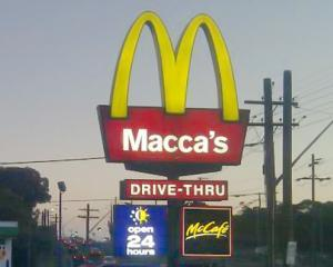 McDonald's isi schimba numele. Temporar!
