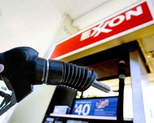 Premierul Emil Boc s-a intalnit luni cu oficialii ExxonMobil