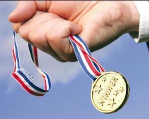"""Diplome """"In Honoris"""" pentru 41 de olimpici"""