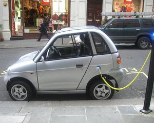 Incepe programul de stimulare a achizitiei de masini electrice si hibrid