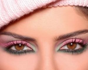Ochii caprui inspira mai multa incredere