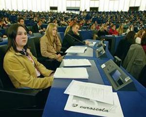CE: 20.000 de romani s-au perfectionat profesional pe bani europeni in 2010