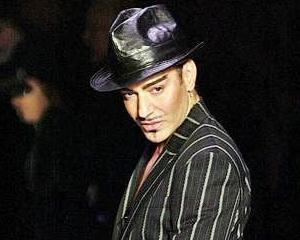 Tirada antisemita l-a costat pe John Galliano jobul la Dior
