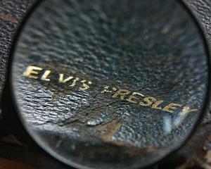 Chilotii murdari ai lui Elvis nu au avut succes in cadrul unei licitatii. Un fan a preferat sa cumpere Biblia Regelui