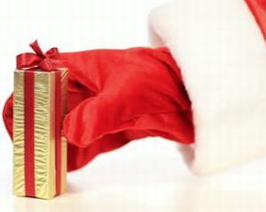 Aproape 90% dintre romani ofera cadouri de sarbatori