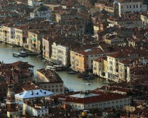 Pe urmele Titanicului: Venetia se scufunda