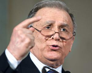 Reactii ale politicienilor romani la retrogradarea SUA si perspectiva unei noi crize