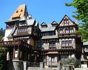 Castelul Pelisor isi inchide portile pentru trei saptamani