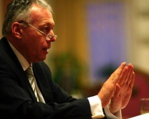 Borbely le cere prefectilor sa reduca poluarea din orase