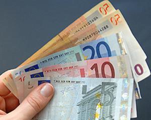 Creditele in euro se vor scumpi, estimeaza specialistii BCR