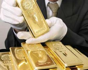 Cine isi constituie un depozit la Piraeus Bank poate castiga un minilingou de aur