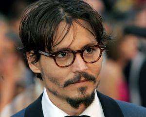 Paradisul lui Depp: Piratii din Caraibe ii aduc un onorariu record
