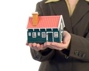 Peste 5.700 de candidati au optat in 2012 pentru un job de broker imobiliar