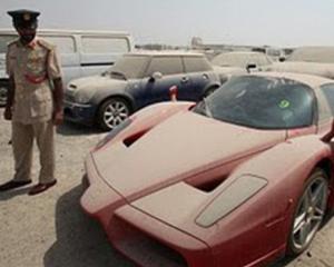 De ce sunt atat de multe masini de lux abandonate in Emiratele Arabe Unite?