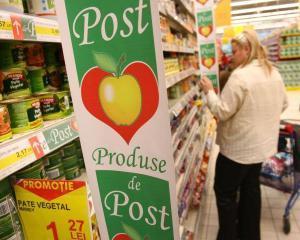 Atentie la produsele de post! Una scrie pe eticheta, alta mananci