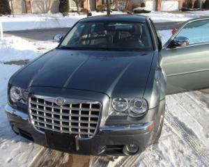 Fostul Chrysler 300C al lui Barack Obama, scos la licitatie pe eBay
