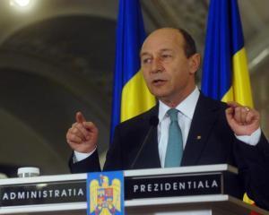 UPDATE: Presedintele Traian Basescu ar putea cere formarea unui guvern TEHNOCRAT si renuntarea la COMASAREA alegerilor - DISCURS