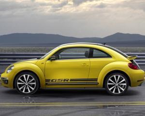 Volkswagen spera sa atraga publicul masculin cu noul Beetle GSR