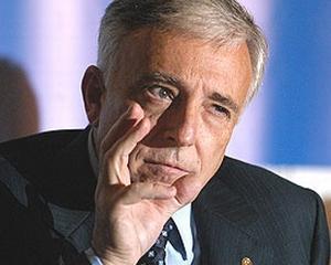 ISARESCU: Relatia dintre bancher si client trebuie sa fie de colaborare, nu de ucidere reciproca