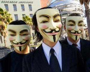 25 de hackeri de la Anonymous au ramas fara masca