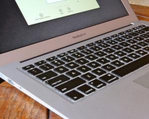 NOUTATI APPLE: O noua linie MacBook Air, un Mac mini proaspat si un sistem de operare