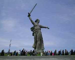 Analizele Manager.ro: Minuni realizate de mana omului. Statuia Mama Rusia din Volgograd (I)